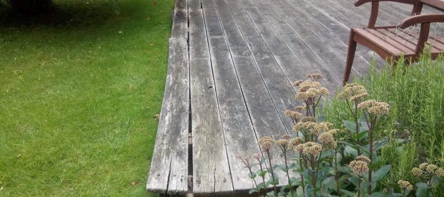 Montujeme terasy a ploty na klíč. Po úvodní domluvě je možné realizaci provést bez Vaší přítomnosti – můžete třeba odjet na dovolenou a vrátit se k hotovému.